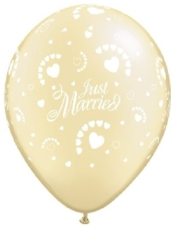 92027 Just Married Hearts-A-Round Pearl Ivory